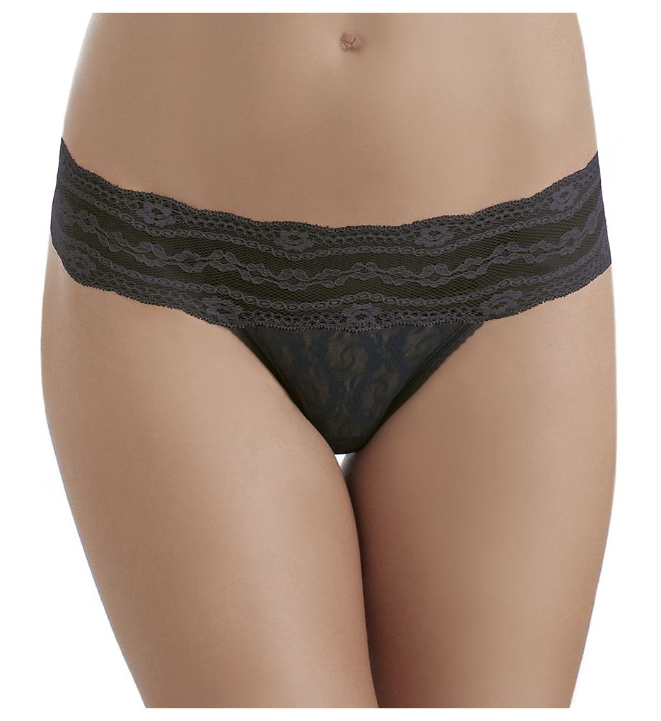 b.tempt'd by Wacoal : b.tempt'd by Wacoal 970182 Lace Kiss Thong (Night Black S)