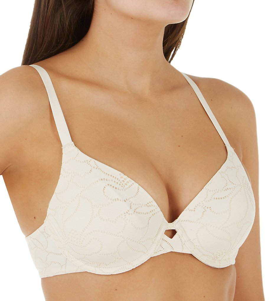 Hanes HU33 Ultimate No Show Support Underwire Bra (Porcelain Lace)