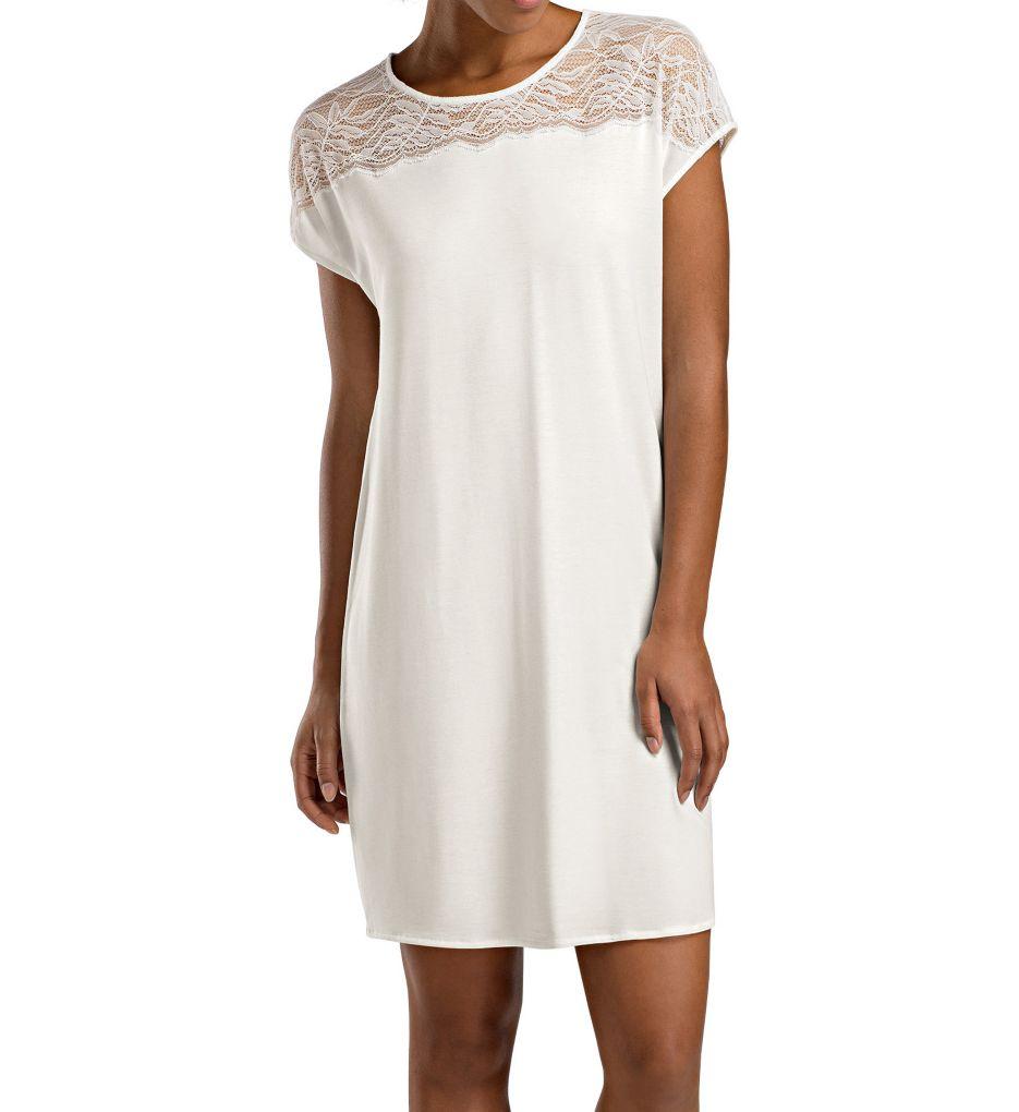 Hanro Greta Short Sleeve Lace Gown