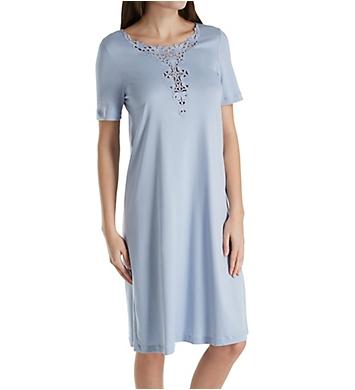 Hanro Jasmin Short Sleeve Lace Neckline Gown