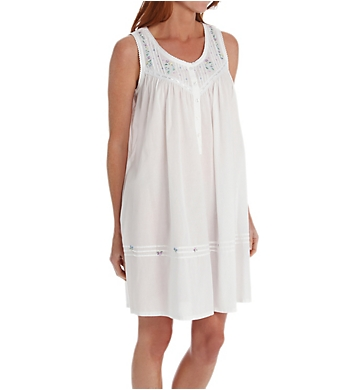 La Cera White Cotton Embroidered Short Gown With Pockets