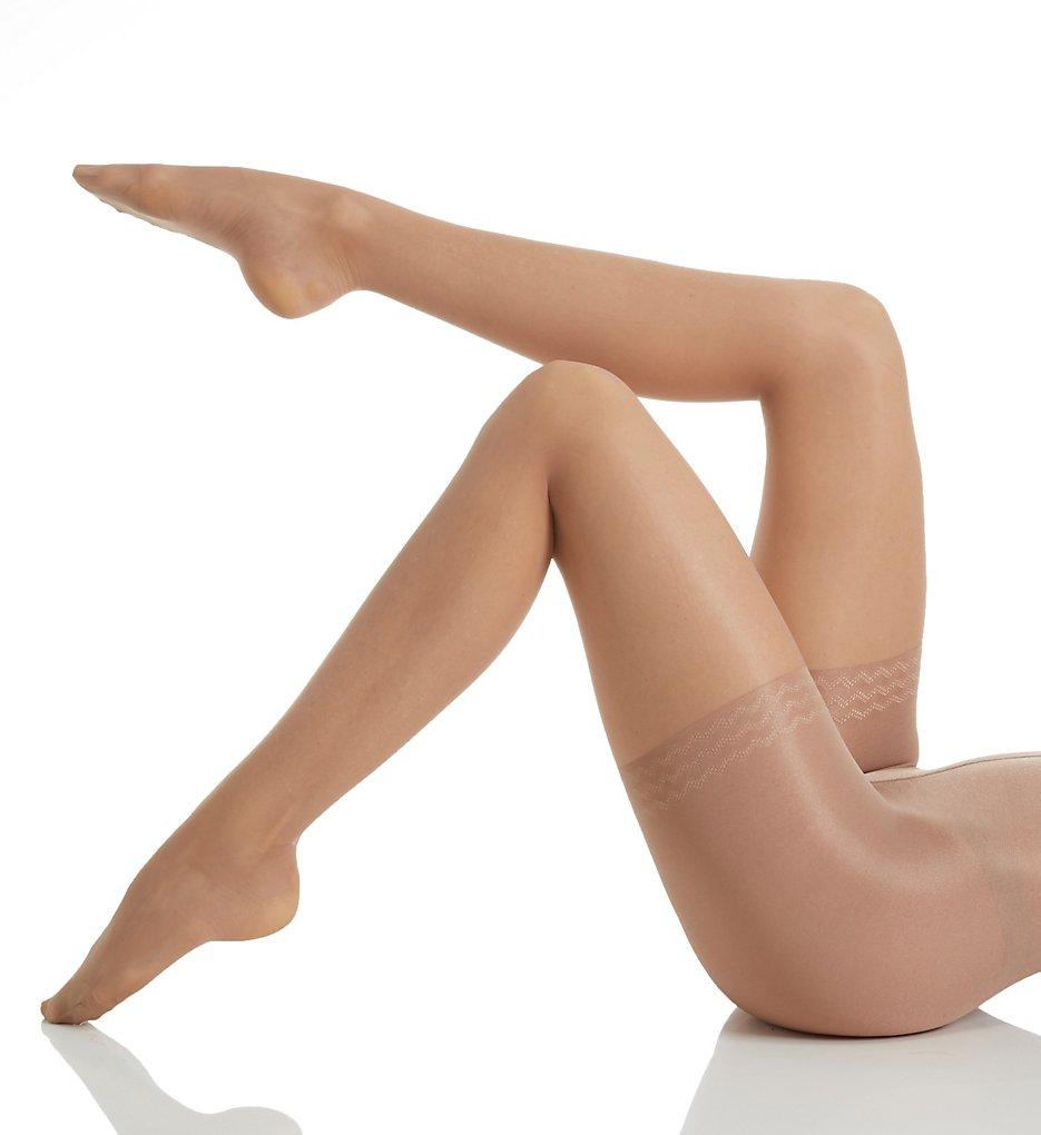 blowjob-body-slimming-pantyhose-busty-doctor-amanda