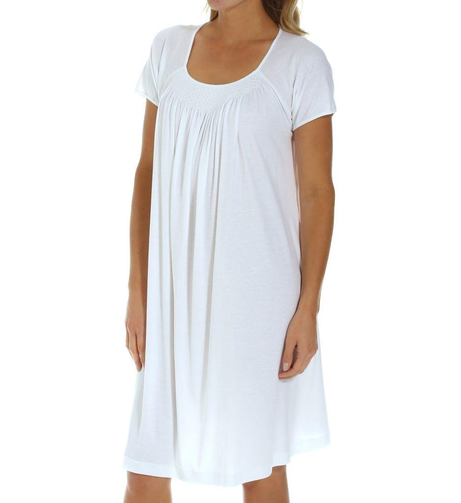 P-Jamas New Smocking Short Sleeve Gown